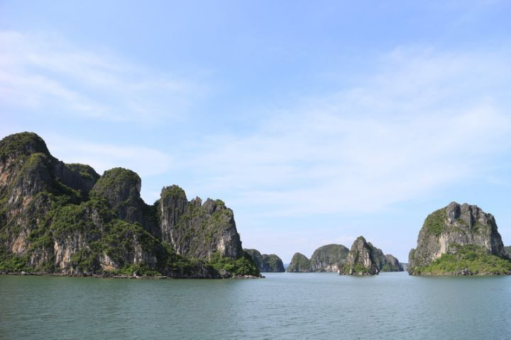 Hanoi - Halong Bay Cruise By Shuttle Bus (Overnight On Board)