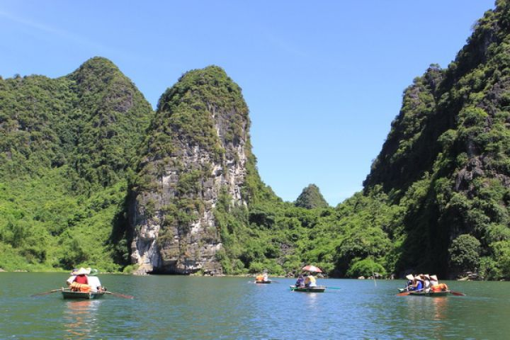 Hanoi - Halong Bay - Ninh Binh (Overnight At Hotel)